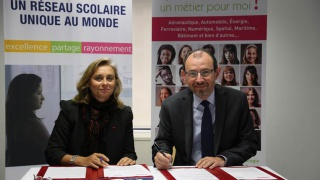 Convention Elles Bougent avec l'AEFE pour le Girls on the Move Day 2017