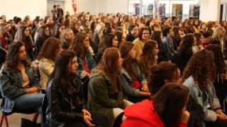 Les filles et les sciences, un avenir possible