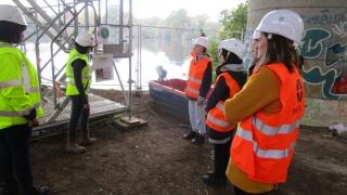 Visite d'un chantier VINCI de remise en peinture d'un ouvrage d'art à Nantes
