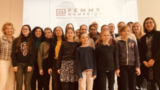 Comment attirer plus de femmes dans le numérique