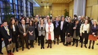 Cérémonie de remise des insignes d'Officier de l'Ordre National du Mérite à Marie-Sophie Pawlak