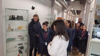 Visite chez SAFRAN pour les participantes à la fête de la Science à Civray