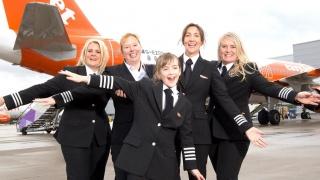 Pilots on tour : Les femmes pilotes d'easyJet partent à la rencontre des collégiennes