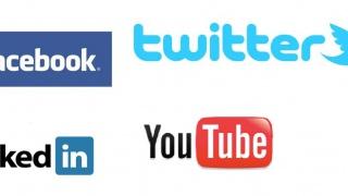 Elles bougent est sur les réseaux sociaux, et vous ? Rejoignez-nous afin de suivre nos actualités !