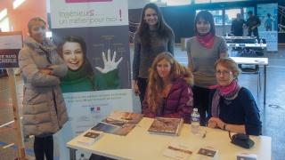 Les marraines de Midi-Pyrénées au forum des métiers de l'ENAC
